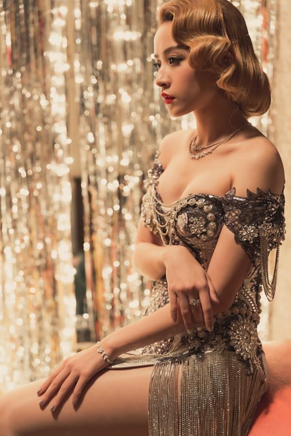 Đâu chỉ gợi cảm trong MV thứ 4, từ lâu Chi Pu đã khiến fans 'bỏng mắt' với váy áo xuyên thấu-1