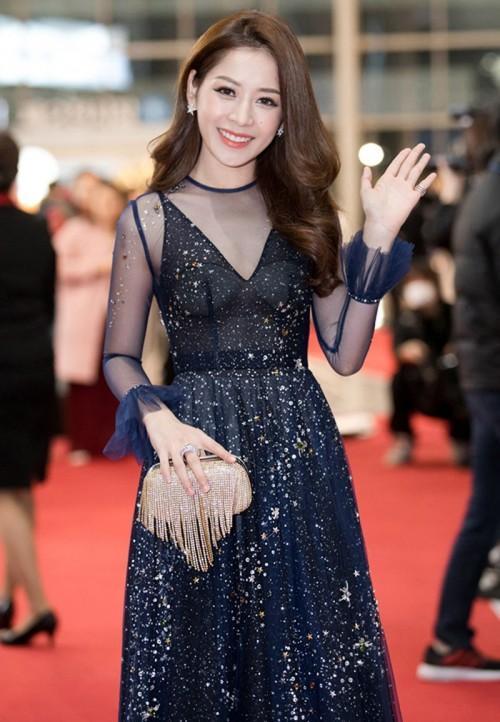 Đâu chỉ gợi cảm trong MV thứ 4, từ lâu Chi Pu đã khiến fans 'bỏng mắt' với váy áo xuyên thấu-4