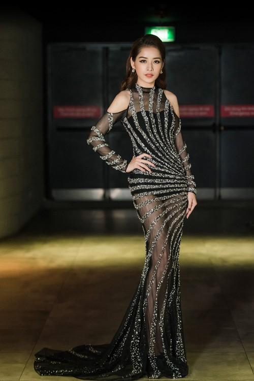 Đâu chỉ gợi cảm trong MV thứ 4, từ lâu Chi Pu đã khiến fans 'bỏng mắt' với váy áo xuyên thấu-7
