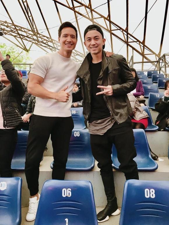 Hot girl - hot boy Việt: Trung Dũng Sĩ hội ngộ cùng Kim Lý khi đi xem Hồ Ngọc Hà biểu diễn-1