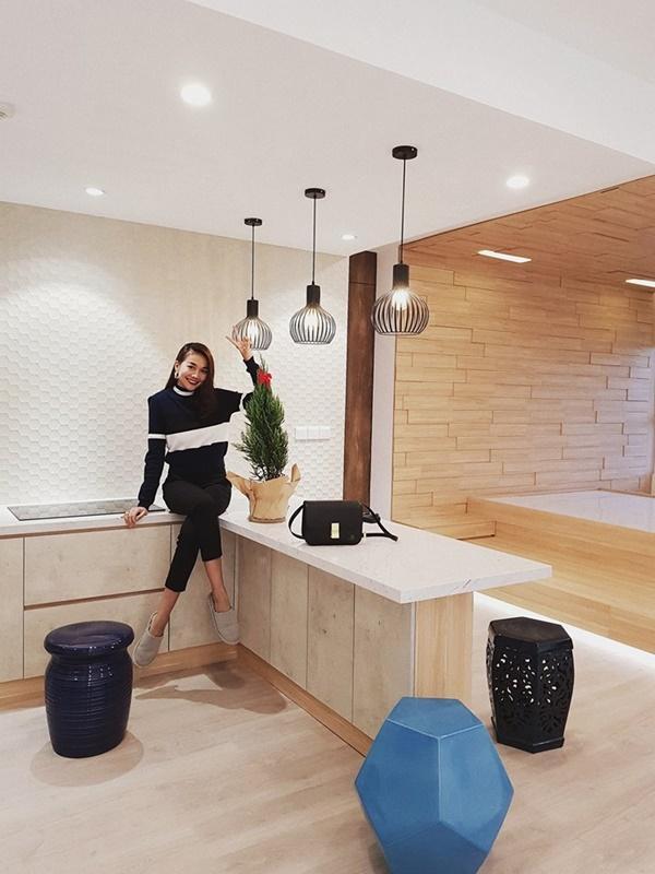 Chiêm ngưỡng một góc nhà mới chứa đầy hàng hiệu của siêu mẫu Thanh Hằng-2