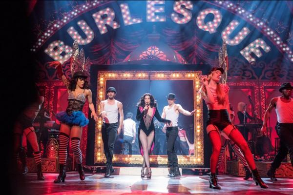 100 triệu USD là cái giá phải trả cho 2 năm biểu diễn của Lady Gaga tại Las Vegas!-13