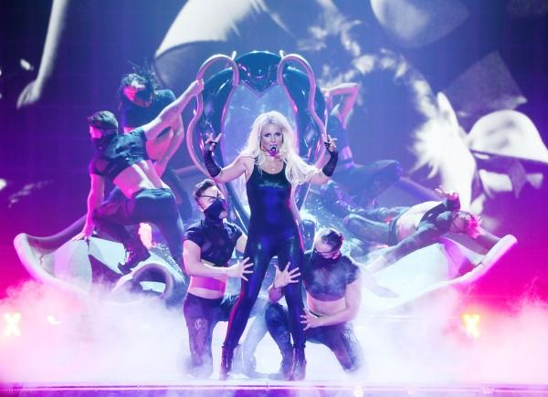 100 triệu USD là cái giá phải trả cho 2 năm biểu diễn của Lady Gaga tại Las Vegas!-14