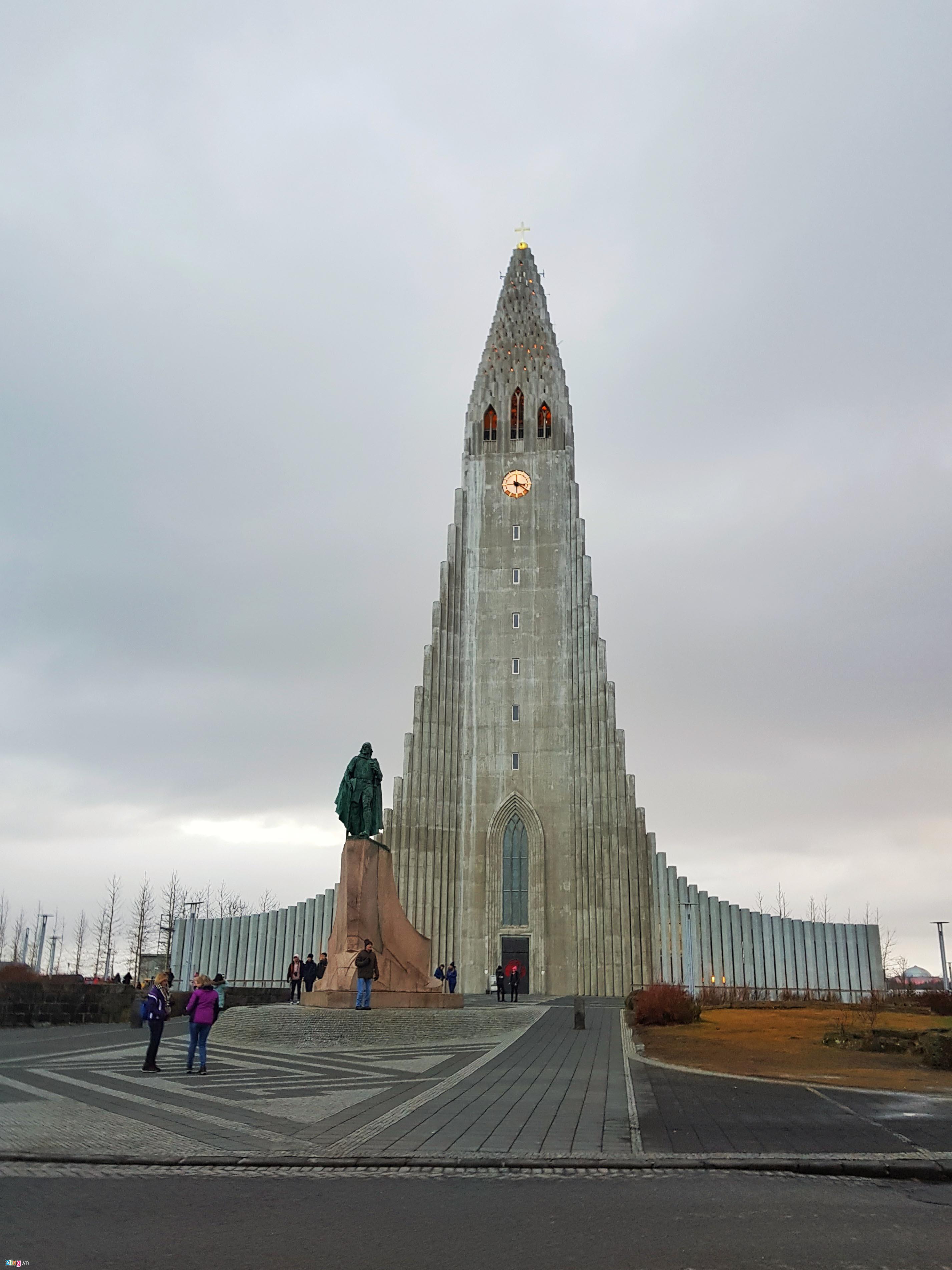 Không khí Giáng sinh ở Vùng đất của băng và lửa-7