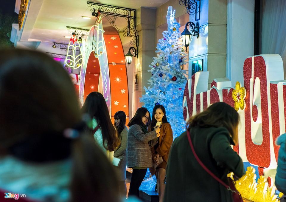 Những khoảnh khắc đón Noel ở cố đô Huế-6