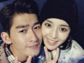 Trương Hàn và 'mỹ nữ Tân Cương' Cổ Lực Na Trát chia tay sau 3 năm hẹn hò