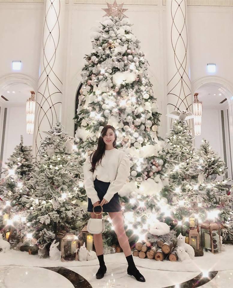 Sao Hàn 25/12: Song Joong Ki và Song Hye Kyo bị chụp ảnh vui vẻ đêm giáng sinh-5