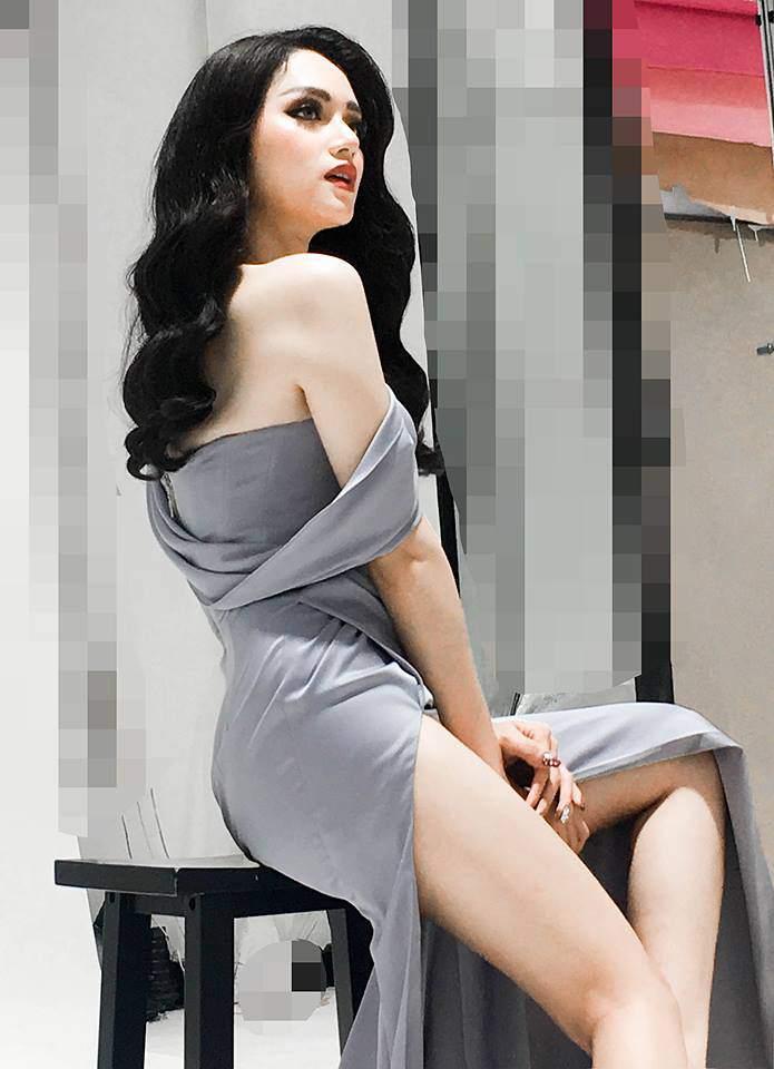 Hương Giang Idol tạo dáng nhanh như tia chớp, không kém các người mẫu nổi danh-2