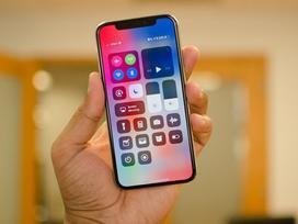 Samsung thu bạc tỷ nhờ bán màn hình OLED cho Apple