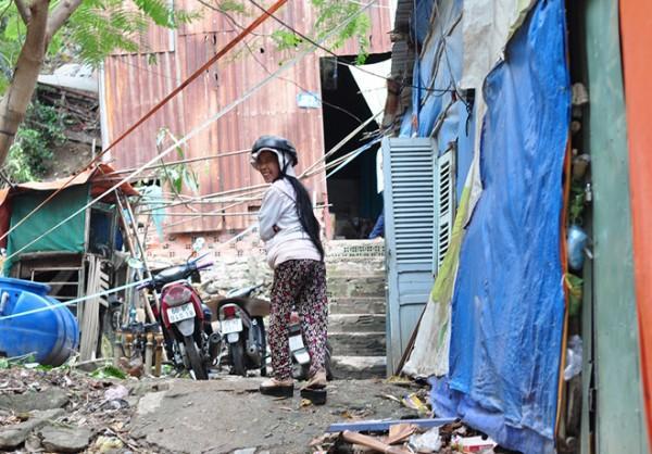 Tình người trong cơn bão Tembin: Người dân được ăn cơm miễn phí, vào khách sạn trú ẩn-2