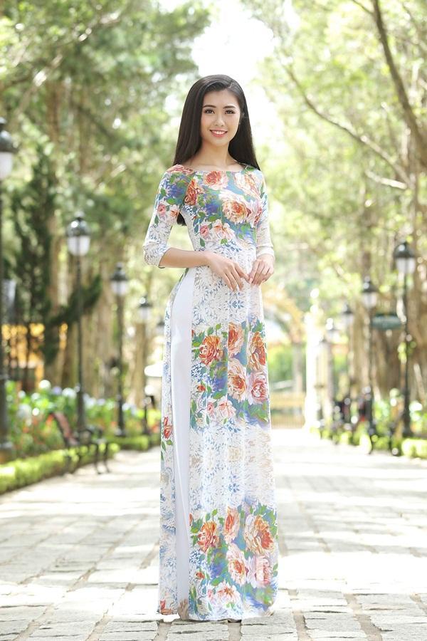Dàn thí sinh Hoa hậu Hoàn vũ kẻ chín người mười khi khoe sắc với áo dài nền nã-12