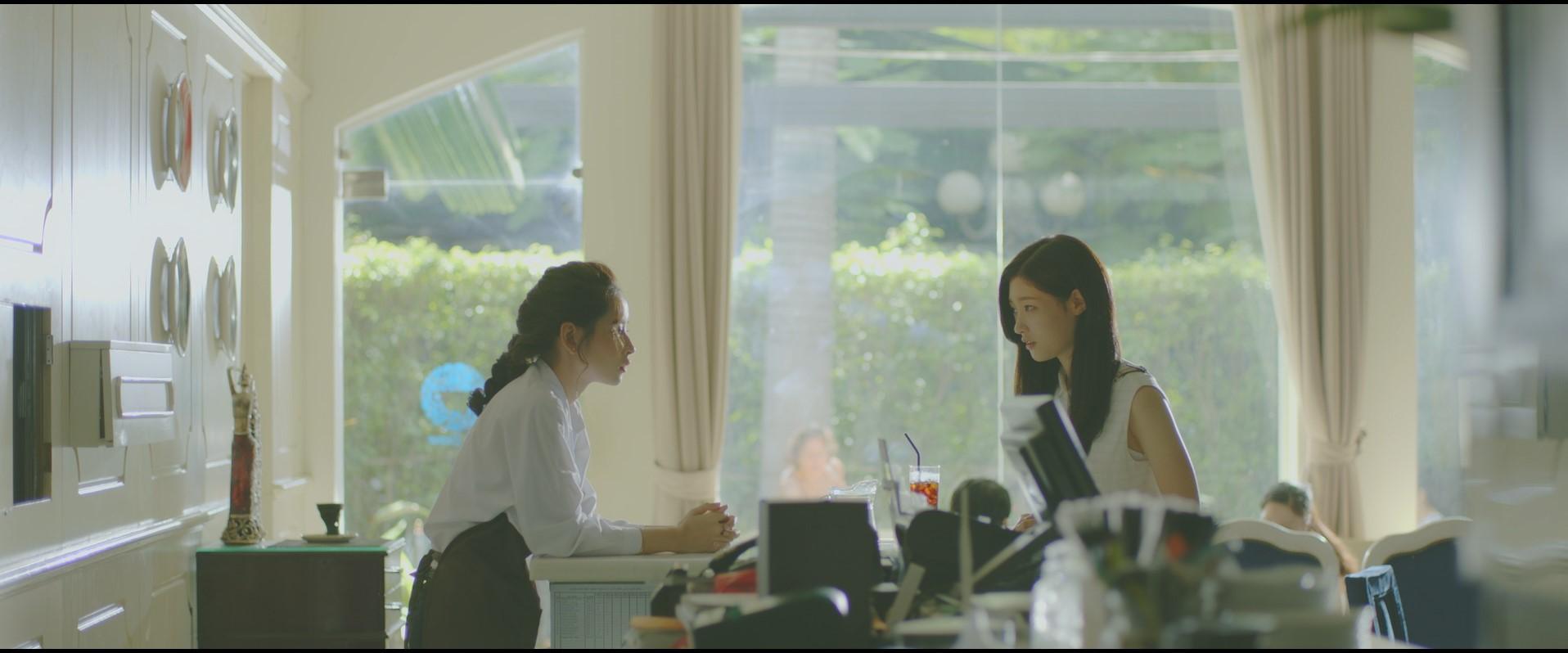Chi Pu khoe nhan sắc trong trẻo không thua kém Nữ thần thế hệ mới Chae Yeon-5