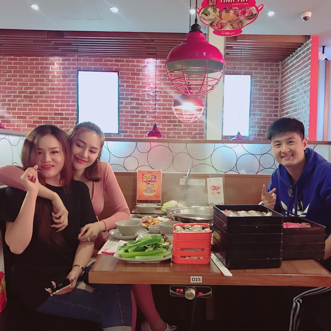 Tin sao Việt: Trấn Thành ghép hàng nghìn bức ảnh cảm ơn Hari Won nhân kỷ niệm 1 năm ngày cưới-8