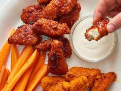 Món ngon mỗi ngày: Cánh gà rút xương bao bột giòn rụm