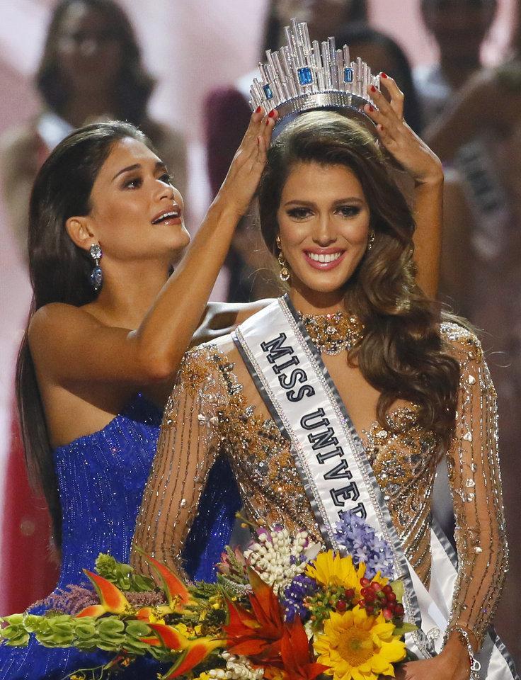 PHÁT HIỆN THÚ VỊ: 5 năm liên tiếp, Miss Universe chứng kiến sự lên ngôi của dàn mỹ nữ nấm lùn-6
