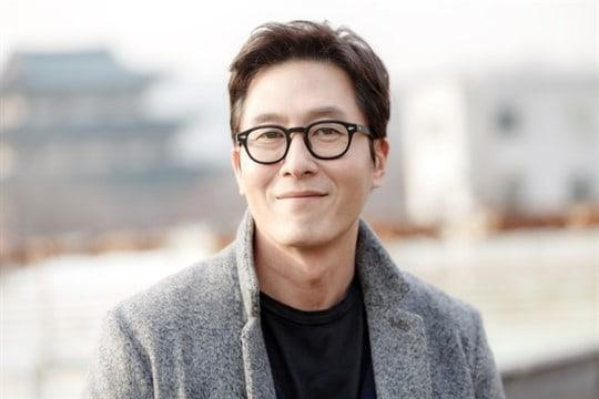 Scandal bẩn, tội lỗi và mất mát vẽ nên màu xám bao trùm showbiz Hàn năm 2017-11