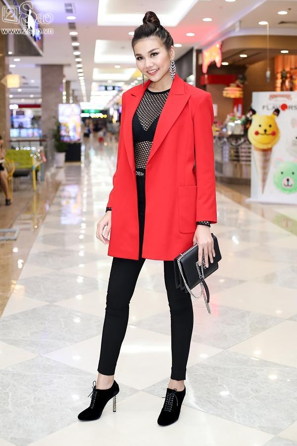 Cùng diện tông đỏ nhưng đối nghịch style, Hồ Ngọc Hà - Thanh Hằng nổi nhất thảm đỏ-10