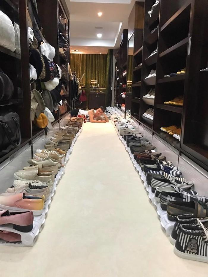 Ngắm 4 kho hàng hiệu to như siêu thị thời trang của sao Việt khiến triệu người ngưỡng mộ-4