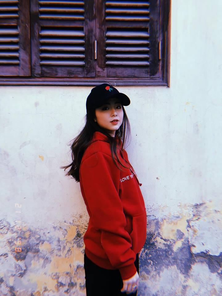 Hot girl - hot boy Việt: Midu khoe 1001 biểu cảm khi chụp ảnh tự sướng ở Đà Nẵng-6