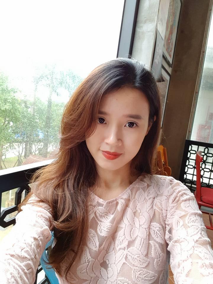 Hot girl - hot boy Việt: Midu khoe 1001 biểu cảm khi chụp ảnh tự sướng ở Đà Nẵng-1