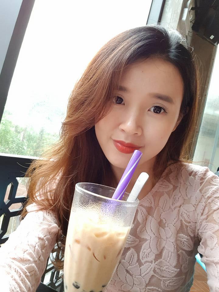 Hot girl - hot boy Việt: Midu khoe 1001 biểu cảm khi chụp ảnh tự sướng ở Đà Nẵng-2