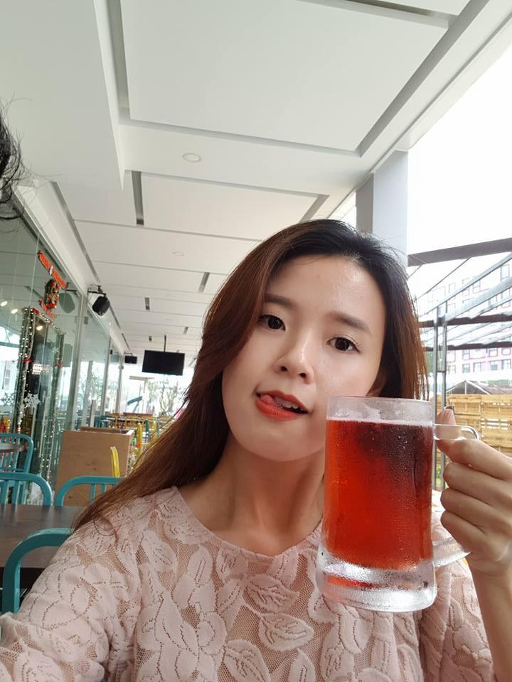 Hot girl - hot boy Việt: Midu khoe 1001 biểu cảm khi chụp ảnh tự sướng ở Đà Nẵng-3