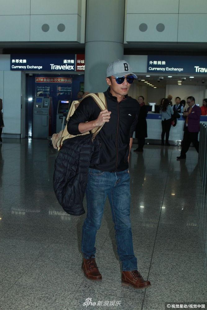 Tạ Đình Phong bị chỉ trích khi bỏ bê 2 con trai để đón giáng sinh bên người tình Vương Phi-2