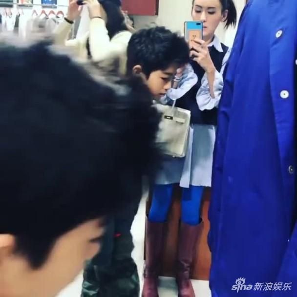 Tạ Đình Phong bị chỉ trích khi bỏ bê 2 con trai để đón giáng sinh bên người tình Vương Phi-10