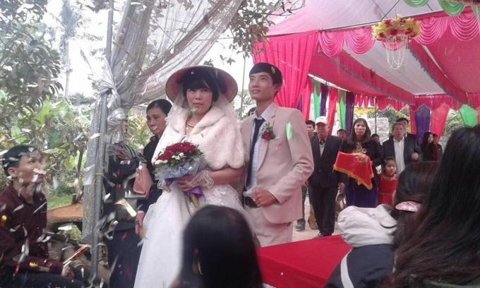 Đám cưới của cặp đôi chồng kém vợ 23 tuổi ở Thanh Hóa gây xôn xao-2