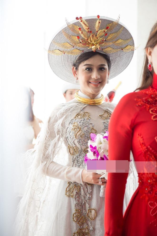 Thay 15 bộ váy từ khi bắt đầu đến lúc kết thúc đám cưới, Lâm Khánh Chi khiến hội chị em điêu đứng-6
