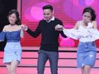Lần đầu trên sân khấu 'Vì yêu mà đến', hai nàng hot girl cùng 'tranh giành' một chàng trai