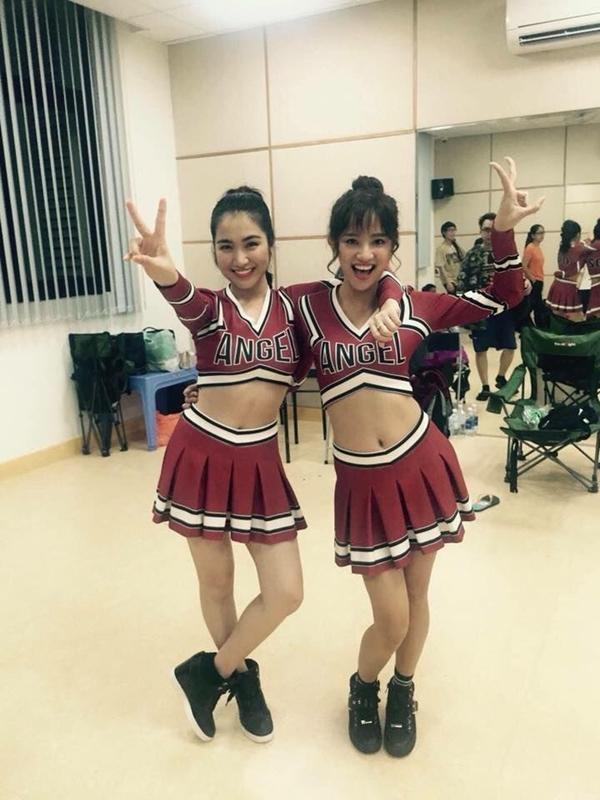 Chỉ với một bông hoa nhài, Hòa Minzy quậy tưng bừng hậu trường phim Glee-5