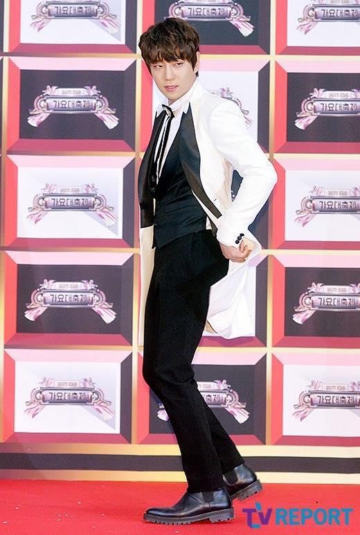 Thảm đỏ KBS Gayo Daejun: HyunA sexy nổi bật, loạt mỹ nam tạo dáng khó đỡ-14
