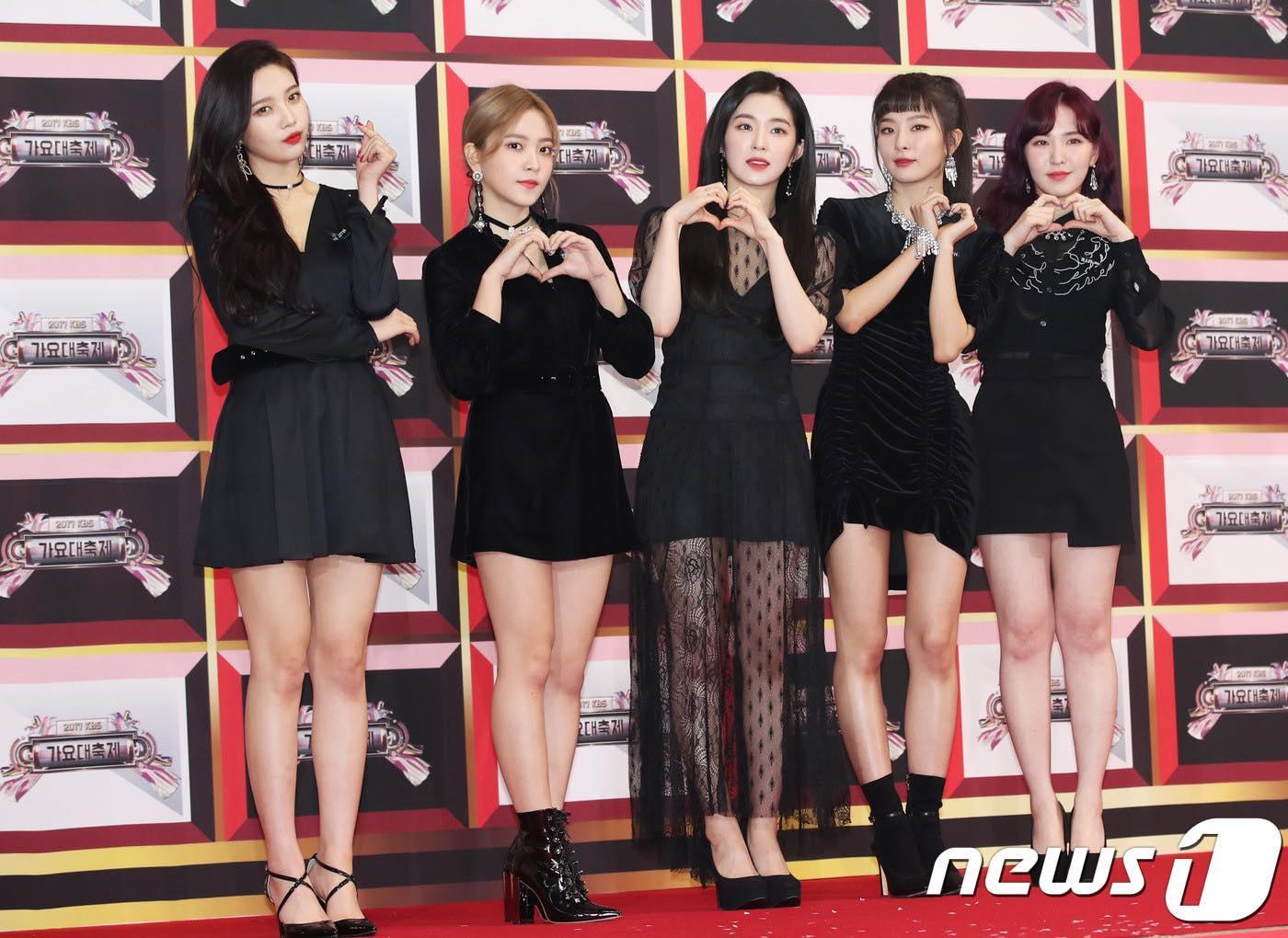 Thảm đỏ KBS Gayo Daejun: HyunA sexy nổi bật, loạt mỹ nam tạo dáng khó đỡ-9