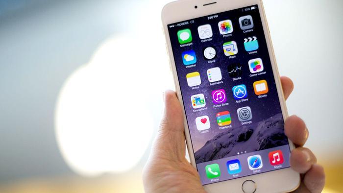 Apple xoa dịu người dùng iPhone cũ bằng chương trình thay pin giảm giá-1