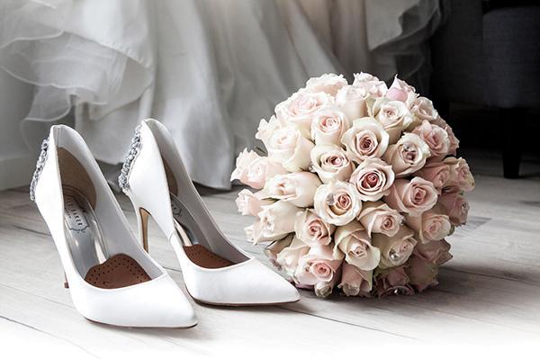 Từ bao giờ, hôn nhân trở thành thước đo ổn định của một cô gái?-2