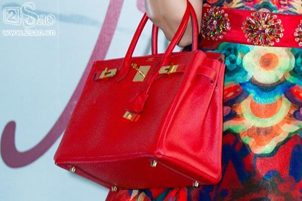 Khám phá món đồ rẻ tiền không thể ngờ trong túi xách trăm triệu của Phương Trinh Jolie-2