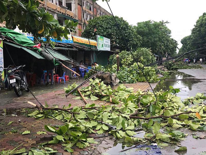 Nhìn lại 16 cơn bão đổ bộ Biển Đông chỉ trong vòng nửa năm 2017 - Điều chưa từng có trong lịch sử-4