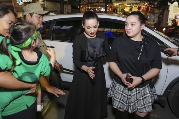 Phi Nhung lần đầu công khai con gái ruột trước công chúng-1