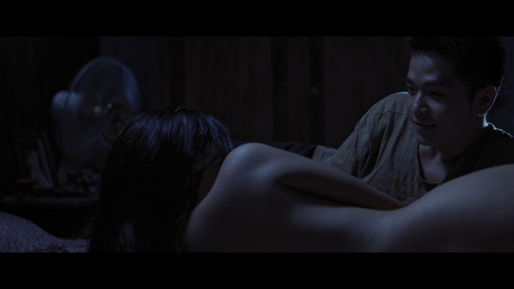 Đỏ mặt với loạt cảnh nóng thiêu đốt màn ảnh Việt năm 2017-4