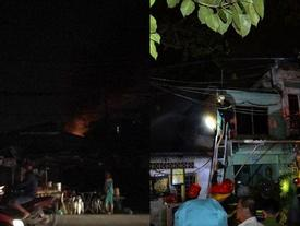 TP.HCM: Người dân thẫn thờ, đau xót chứng kiến hàng loạt căn nhà chìm trong biển lửa ngày cuối năm