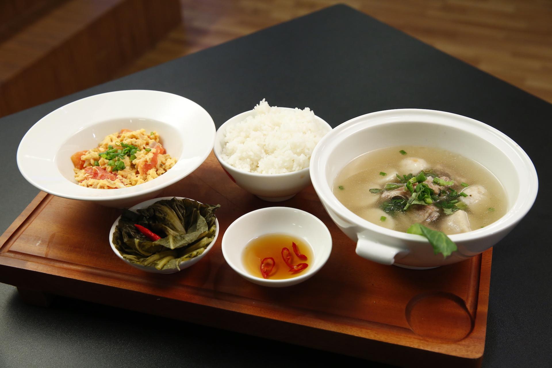 Kiwi Mai Trang làm món ăn đầy ắp hương vị nhớ cha khiến người xem nức lòng-2