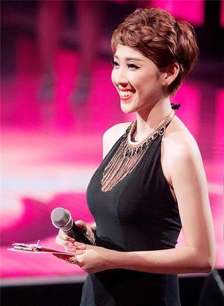 Hot girl - hot boy Việt: MC The Voice Yumi Dương nên duyên cùng bạn trai hơn 9 tuổi-1