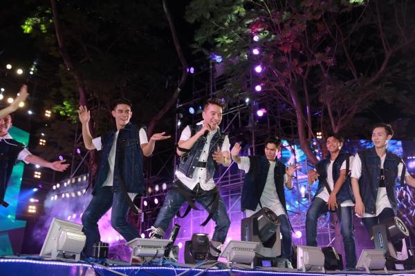 Mỹ Tâm, Sơn Tùng đốt cháy đêm nhạc mừng năm mới-9
