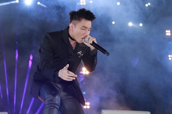 Mỹ Tâm, Sơn Tùng đốt cháy đêm nhạc mừng năm mới-4