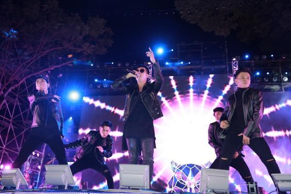 Mỹ Tâm, Sơn Tùng đốt cháy đêm nhạc mừng năm mới-11