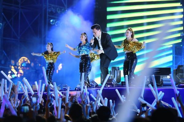 Mỹ Tâm, Sơn Tùng đốt cháy đêm nhạc mừng năm mới-10