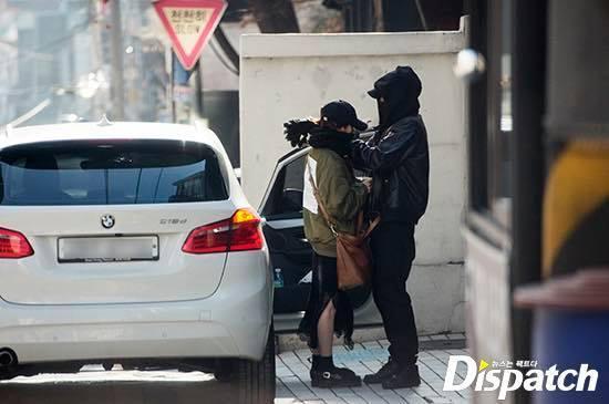 Showbiz Hàn rộn ràng khi Dispatch chơi lớn, tung ảnh 2 cặp đôi hẹn hò ngày đầu năm-9