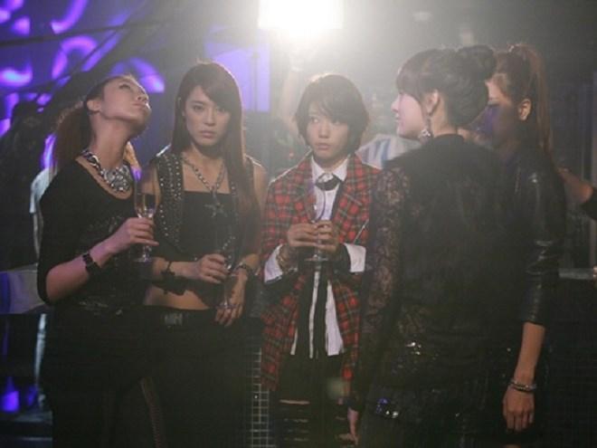 Lee Joo Yeon - Bạn gái của G-Dragon là thần thánh phương nào?-3