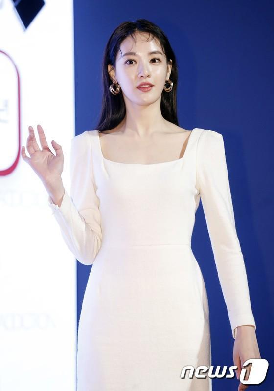 Tất tần tật về bạn gái G-Dragon: Mỹ nhân đẹp tự nhiên biến thành thảm họa giảm cân và tình sử với toàn sao hạng A-13